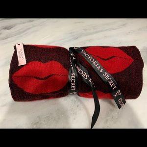 Victoria's Secret Blanket - NWT